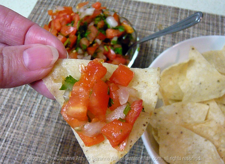pico-de-gallo-chip